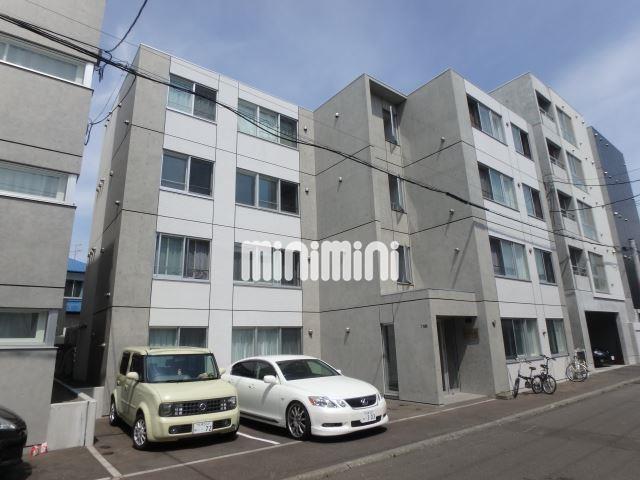 札幌市東西線 琴似駅(徒歩3分)、函館本線 琴似駅(徒歩15分)
