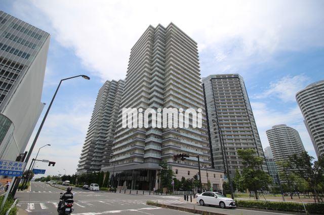 横浜高速鉄道MM線 みなとみらい駅(徒歩8分)