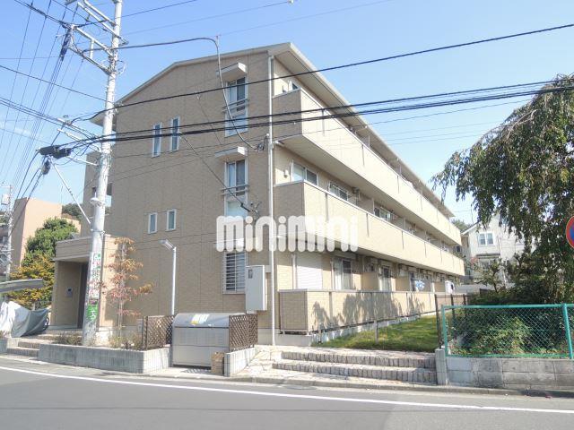 横浜市ブルーライン 新横浜駅(徒歩3分)