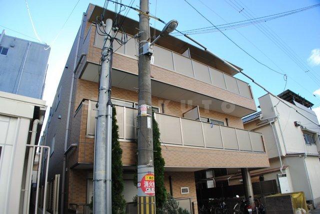 大阪市御堂筋線 西中島南方駅(徒歩18分)
