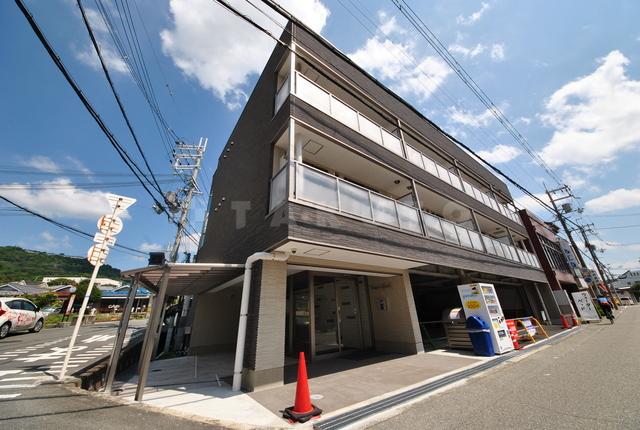北大阪急行南北線 千里中央駅(バス15分 ・如意谷停、 徒歩1分)