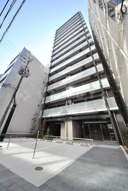 大阪市御堂筋線 心斎橋駅(徒歩5分)