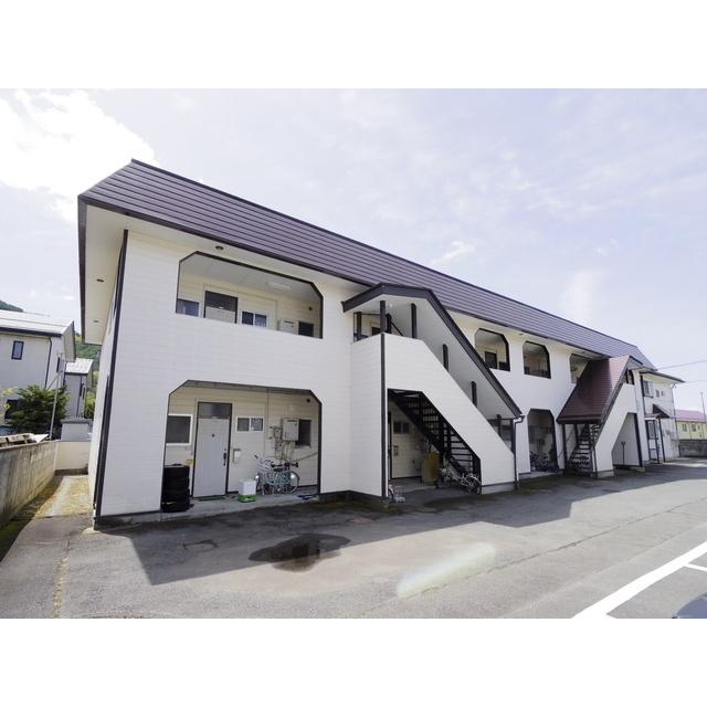 長野電鉄長野線 須坂駅(バス10分 ・大谷入口停停、 徒歩2分)