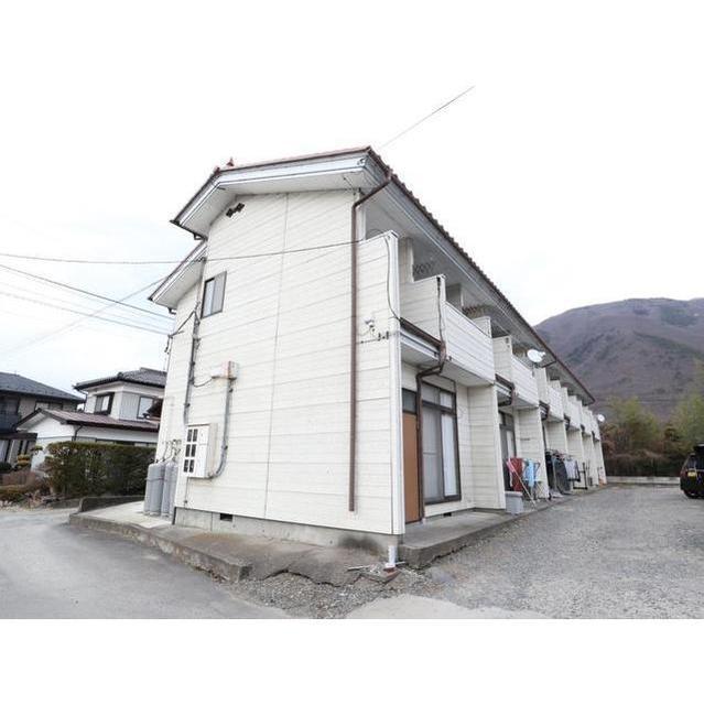 しなの鉄道 戸倉駅(バス18分 ・二階堂医院前停停、 徒歩6分)