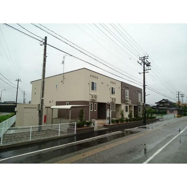あいの風とやま鉄道 福岡駅(徒歩4分)