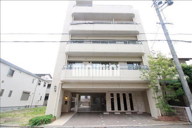 地下鉄名城線 砂田橋駅(徒歩5分)、ゆとりーとライン 砂田橋駅(徒歩5分)