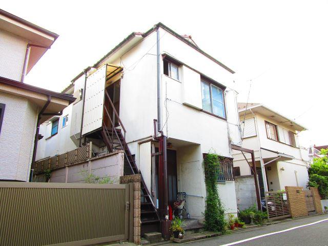 東京都目黒区、学芸大学駅徒歩4分の築39年 2階建の賃貸アパート