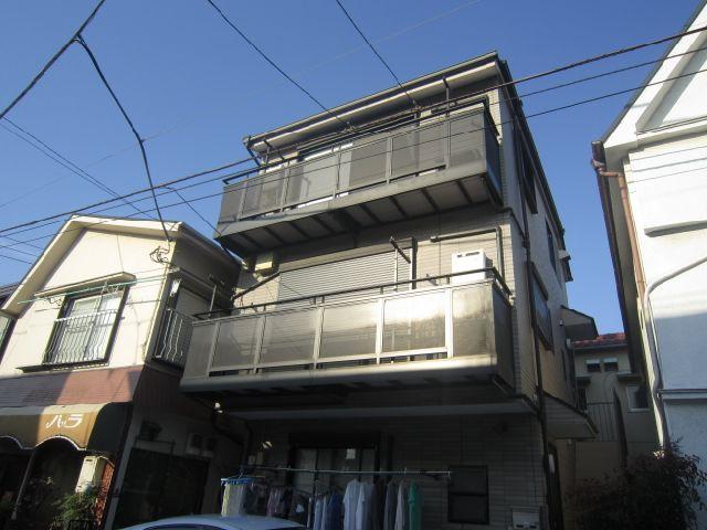 東京都大田区、池上駅徒歩12分の築40年 3階建の賃貸アパート