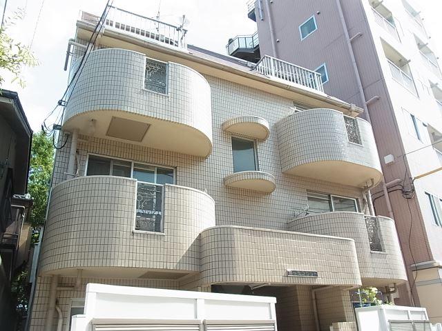 東京都目黒区、都立大学駅徒歩14分の築27年 4階建の賃貸マンション