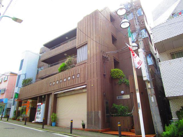 東京都目黒区、都立大学駅徒歩2分の築38年 4階建の賃貸マンション