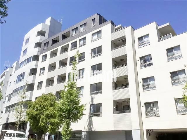 山手線 原宿駅(徒歩4分)、東京メトロ千代田線 明治神宮前駅(徒歩6分)