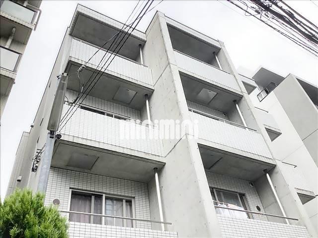 山手線 新宿駅(徒歩12分)、都営地下鉄大江戸線 新宿西口駅(徒歩9分)