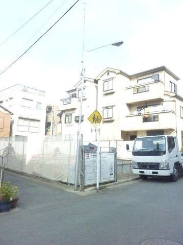東急東横線 武蔵小杉駅(徒歩8分)、横須賀線 武蔵小杉駅(徒歩11分)