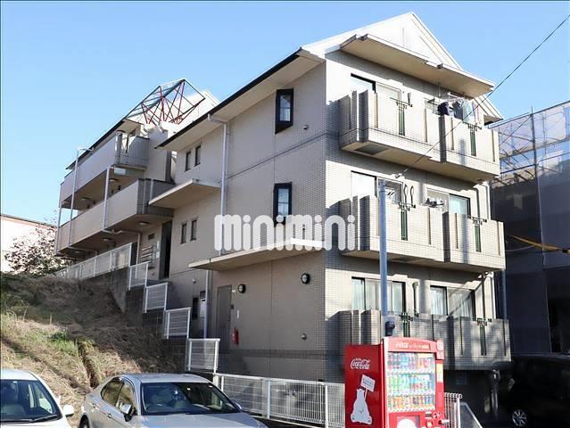 横浜市グリーンライ 高田駅(バス26分 ・山田小学校停、 徒歩2分)
