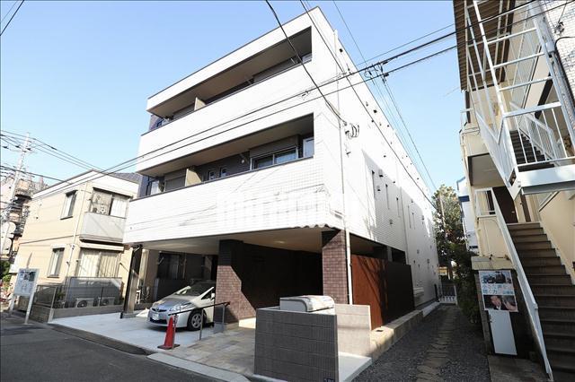 東急目黒線 武蔵小杉駅(徒歩14分)、横須賀線 武蔵小杉駅(徒歩25分)