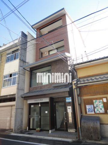 京都市烏丸線 丸太町駅(徒歩2分)