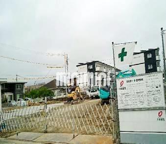 バス・県営住宅入口停(徒歩4分)