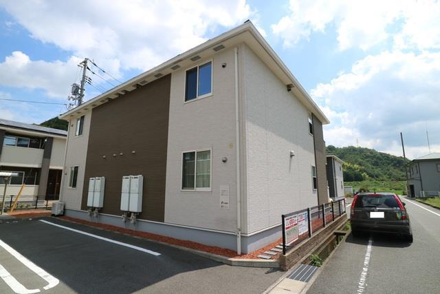井原鉄道 いずえ駅(徒歩11分)