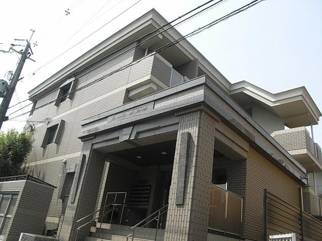 阪急電鉄宝塚線 池田駅(徒歩26分)