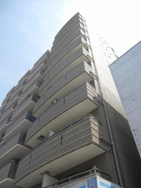 阪神電鉄本線 野田駅(徒歩5分)、千日前線 野田阪神駅(徒歩4分)