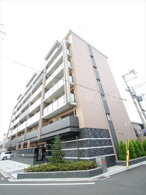 阪急電鉄京都線 西院駅(徒歩10分)、京福嵐山本線 西院駅(徒歩8分)