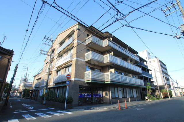 阪急電鉄京都線 西院駅(徒歩5分)、京福嵐山本線 西院駅(徒歩5分)