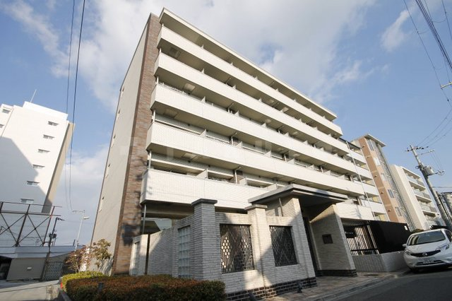 御堂筋線 江坂駅(徒歩8分)