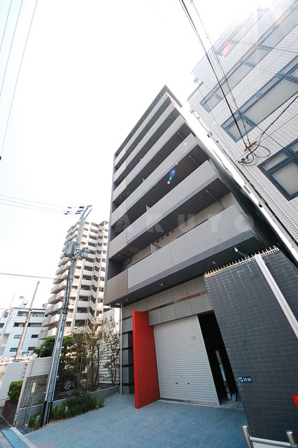 大阪市御堂筋線 江坂駅(徒歩10分)