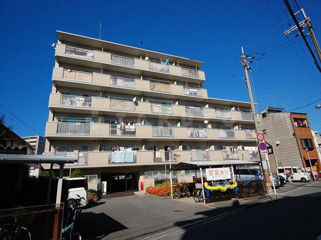 御堂筋線 西中島南方駅(徒歩8分)、阪急電鉄京都線 南方駅(徒歩8分)