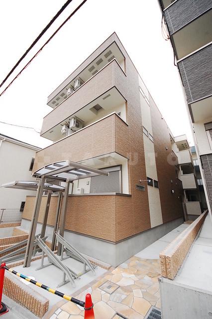 大阪市御堂筋線 江坂駅(徒歩12分)
