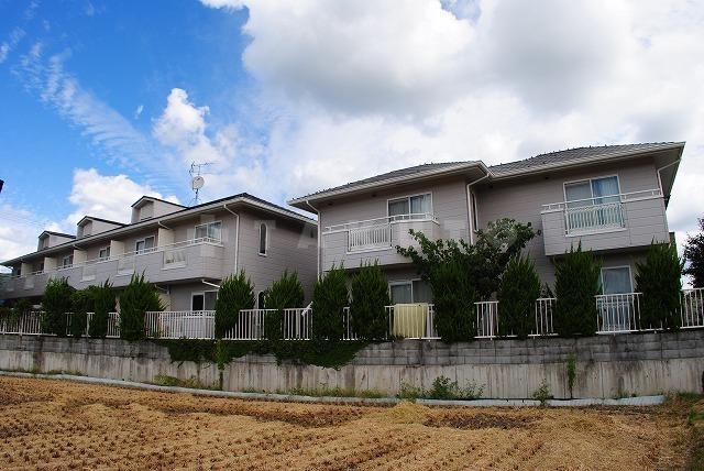 阪急電鉄千里線 北千里駅(バス16分 ・宮の前停、 徒歩2分)