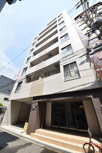 御堂筋線 新大阪駅(徒歩5分)、東海道本線 新大阪駅(徒歩5分)