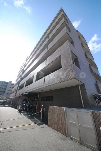 阪急電鉄箕面線 箕面駅(バス8分 ・白島停、 徒歩3分)