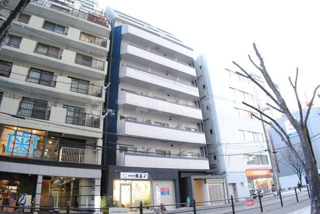 谷町線 東梅田駅(徒歩9分)、御堂筋線 梅田駅(徒歩12分)