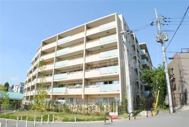 北大阪急行南北線 千里中央駅(徒歩13分)