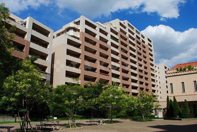 大阪高速鉄道彩都線 阪大病院前駅(徒歩9分)