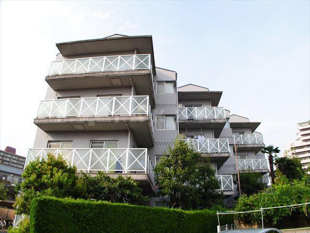 大阪高速鉄道 万博記念公園駅(徒歩11分)