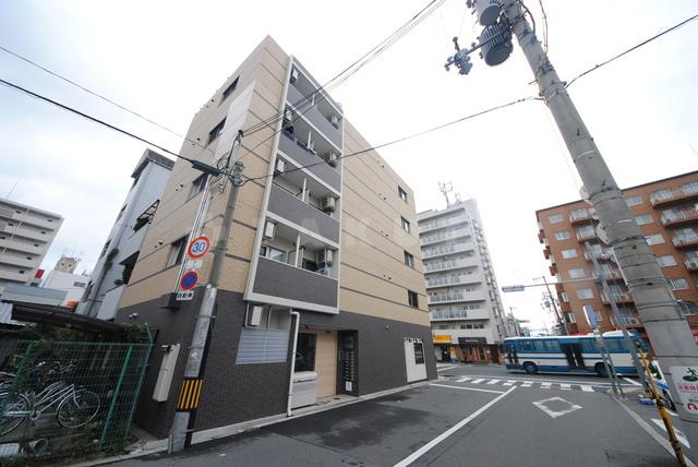 大阪環状線 大阪駅(徒歩67分)