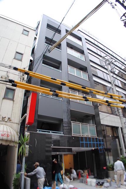 御堂筋線 西中島南方駅(徒歩3分)、阪急電鉄京都線 南方駅(徒歩3分)