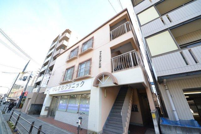 御堂筋線 江坂駅(徒歩4分)、北大阪急行南北線 江坂駅(徒歩4分)