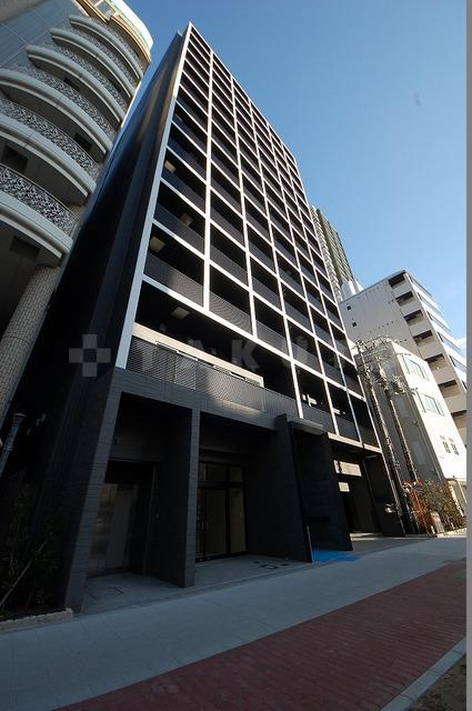 御堂筋線 心斎橋駅(徒歩7分)