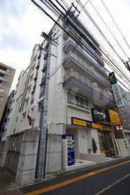 京阪電気鉄道京阪線 関目駅(徒歩3分)、今里筋線 関目成育駅(徒歩3分)