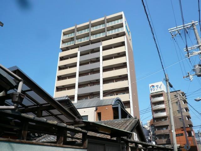 千日前線 野田阪神駅(徒歩10分)、阪神電鉄本線 野田駅(徒歩12分)