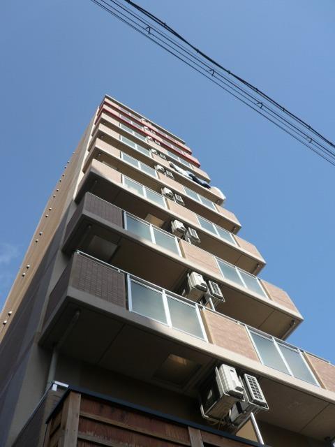 大阪環状線 福島駅(徒歩14分)、阪神電鉄本線 福島駅(徒歩15分)