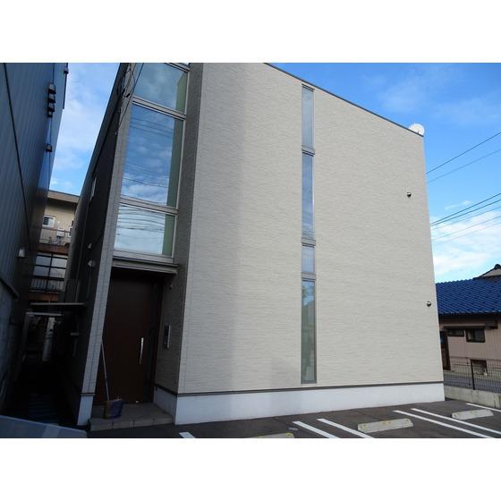 あいの風とやま鉄道 高岡駅(徒歩10分)