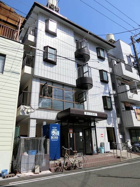 おおさか東線 JR野江駅(徒歩2分)、京阪電気鉄道京阪線 野江駅(徒歩5分)