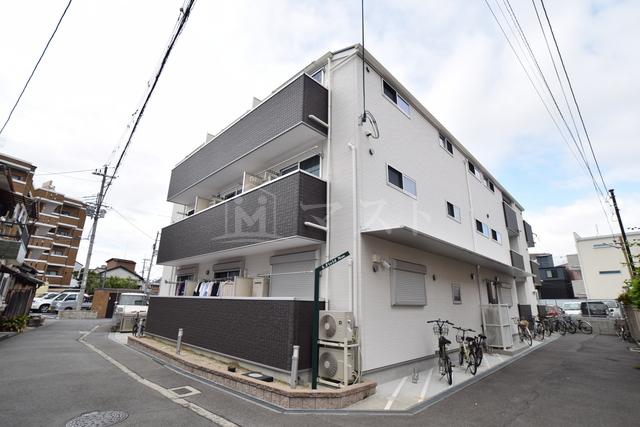 おおさか東線 JR野江駅(徒歩5分)、京阪電気鉄道京阪線 野江駅(徒歩7分)