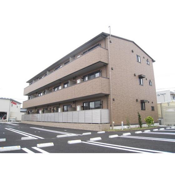 バス・八幡町停(徒歩7分)