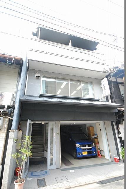 京阪電気鉄道鴨東線 神宮丸太町駅(徒歩5分)
