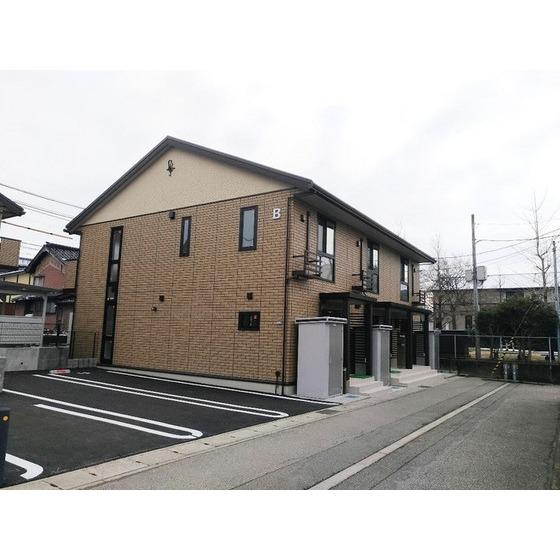 北陸新幹線 新高岡駅(徒歩9分)